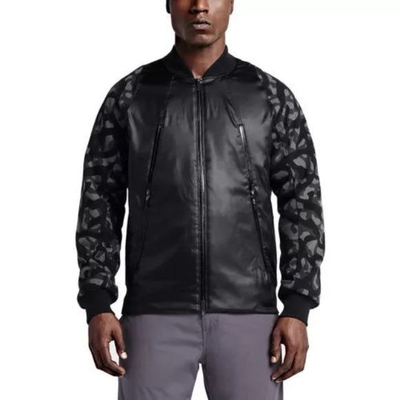 397bf8a66734e3 FLASH SALE Jordan Jumpman Flight Member Jacket